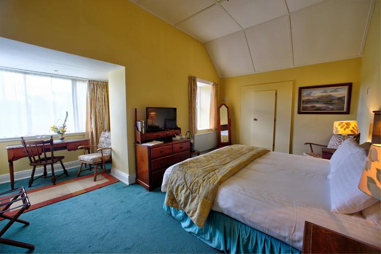 john-b-keane-room-view--milltown_house_dingle_kerry_ireland