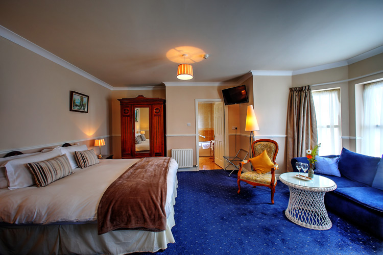 father-mcginley-room-viewl-milltown_house_dingle_kerry_ireland